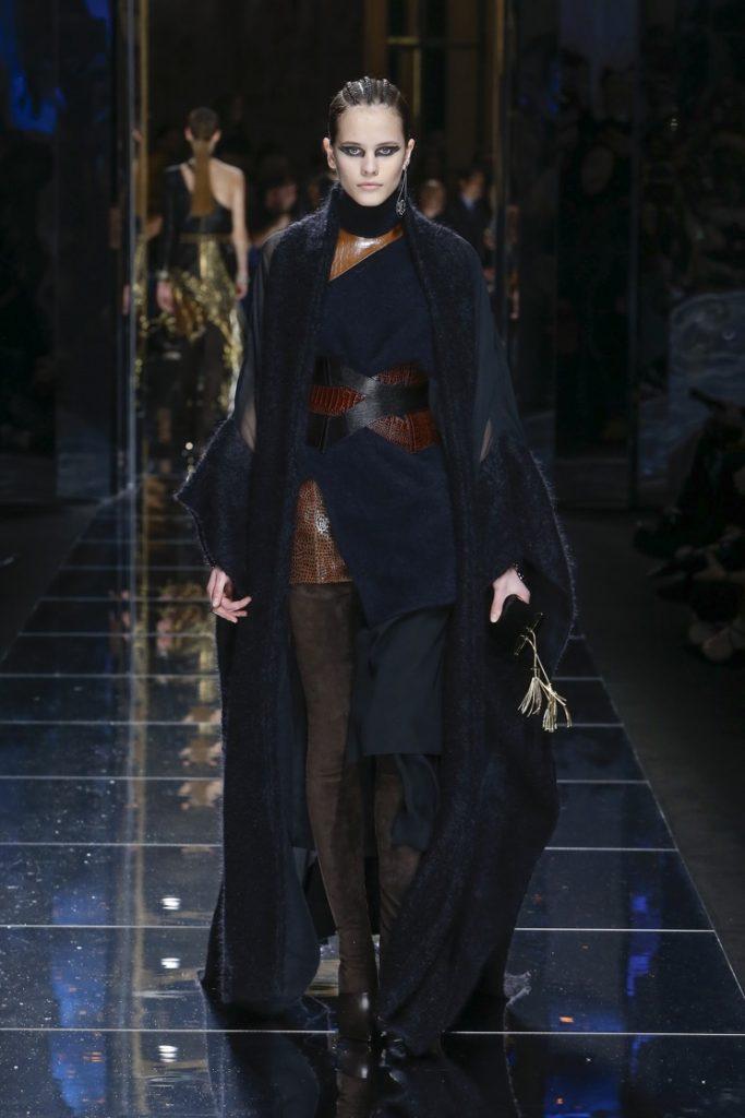 balmain-fw17-rtw-fall-winter-2017-18-collection (65)-corset-belt-sweater