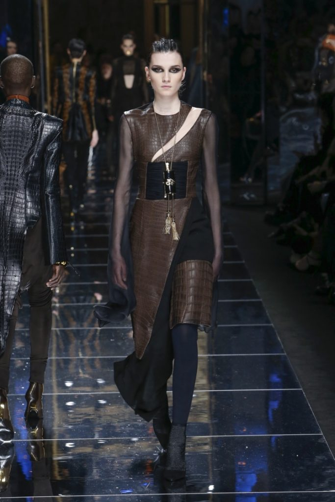 balmain-fw17-rtw-fall-winter-2017-18-collection (68)-sheer-fringes