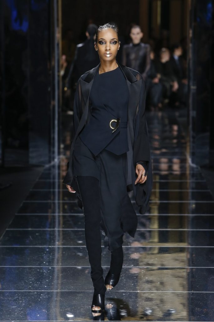 balmain-fw17-rtw-fall-winter-2017-18-collection (74)-black-outfit
