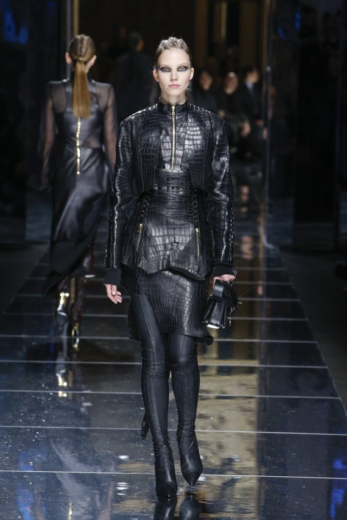 balmain-fw17-rtw-fall-winter-2017-18-collection (77)-black-outfit