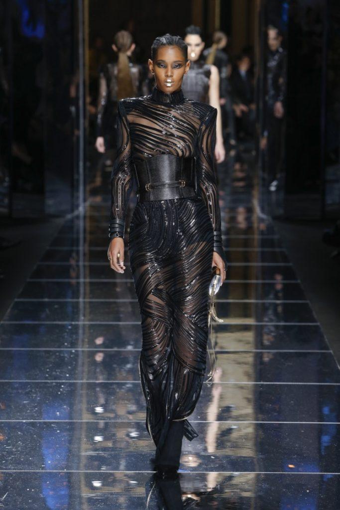 balmain-fw17-rtw-fall-winter-2017-18-collection (79)-black-corset-belt
