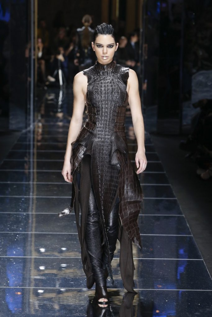 balmain-fw17-rtw-fall-winter-2017-18-collection (80)-brown-gown-slit
