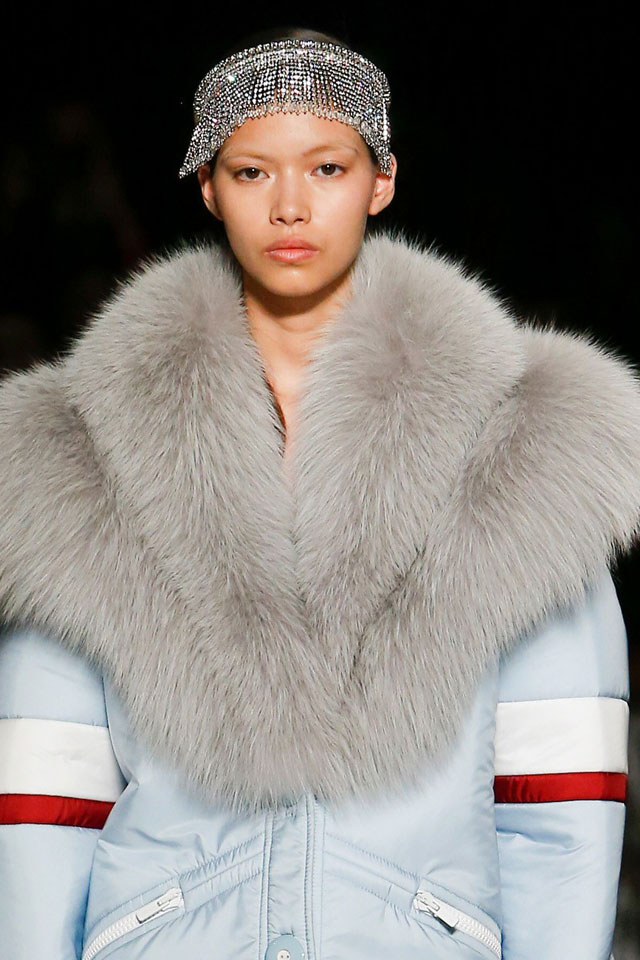 best-fashion-week-designer-miu-miu-head-band-hair-trend-fall-2017-18