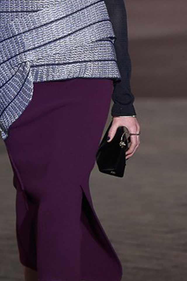best-handbag-trends-2017-runway-black-designer-bag-roland-mouret