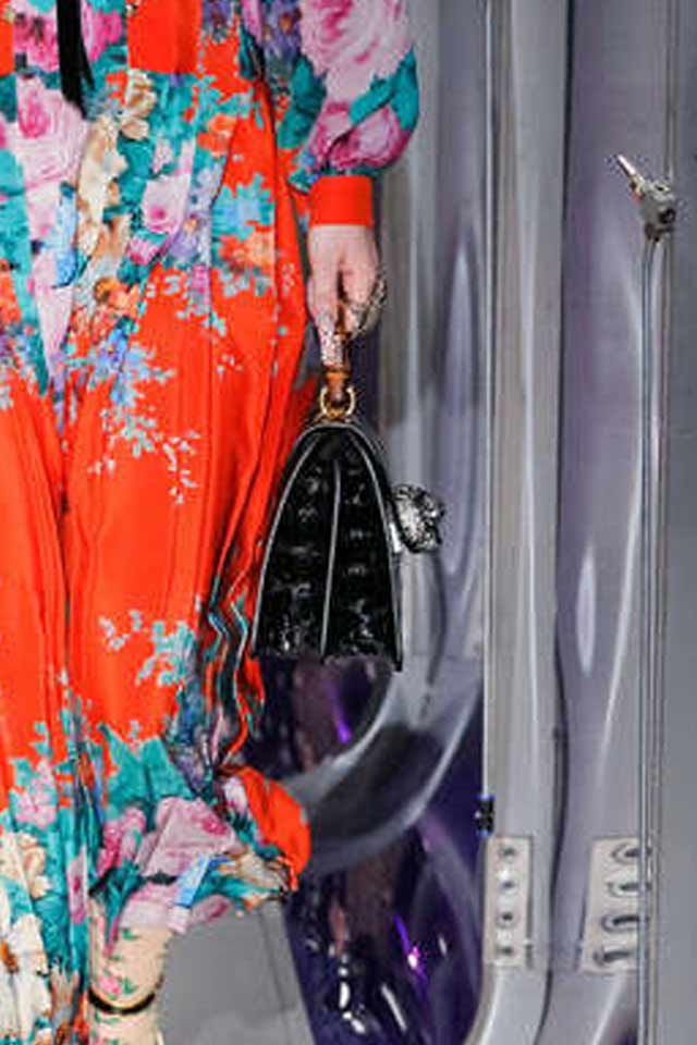 black-floral-applique-handbags-for-fall-winter-2017-gucci