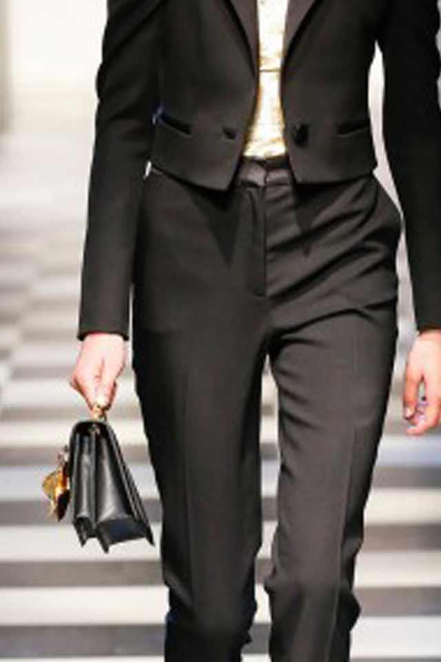 black-gold-applique-runway-trends-for-handbags-2017-oscar-de-la-renta