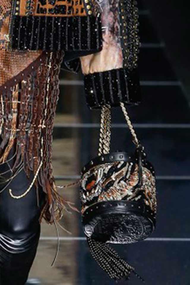 bucket-bags-chain-strap-embellished-balmain-runway-handbag-trends