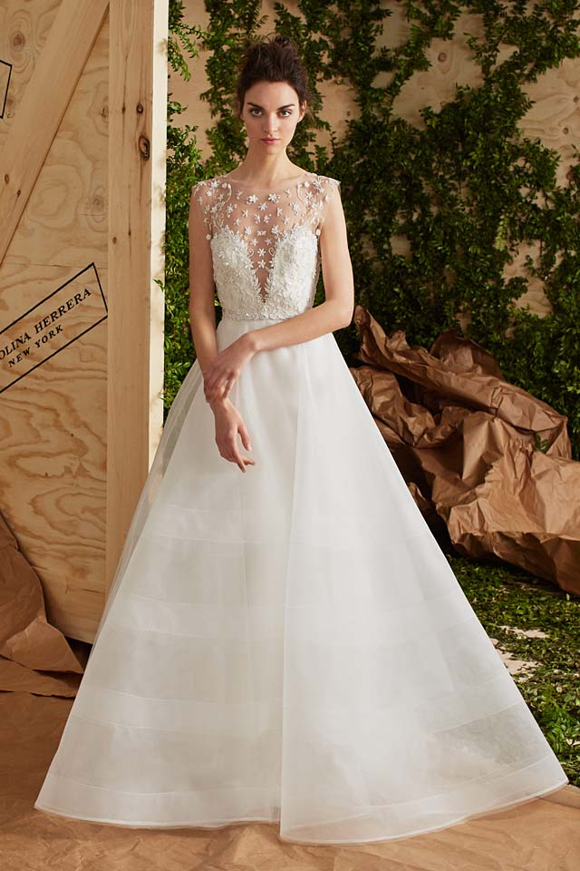 carolina-herrera-bridal-spring-summer-2017-collection (3)-classic-white-gown-sheer-sleeves