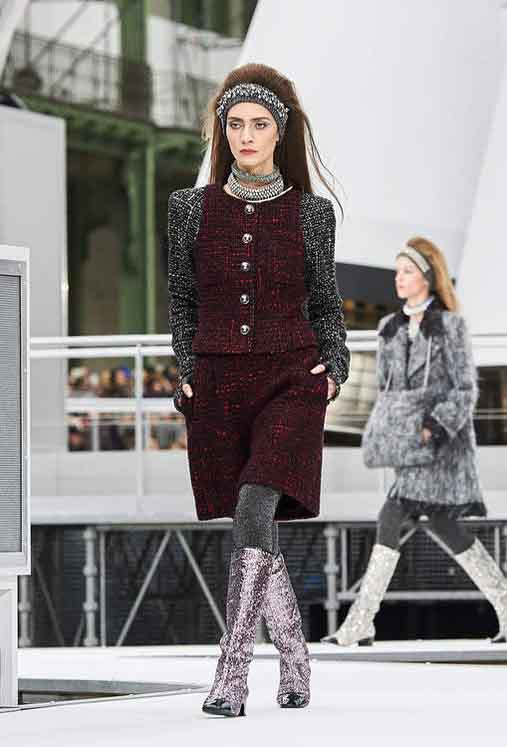 chanel-fw17-rtw-fall-winter-2017-18-collection (14)-textured-dress-necklace