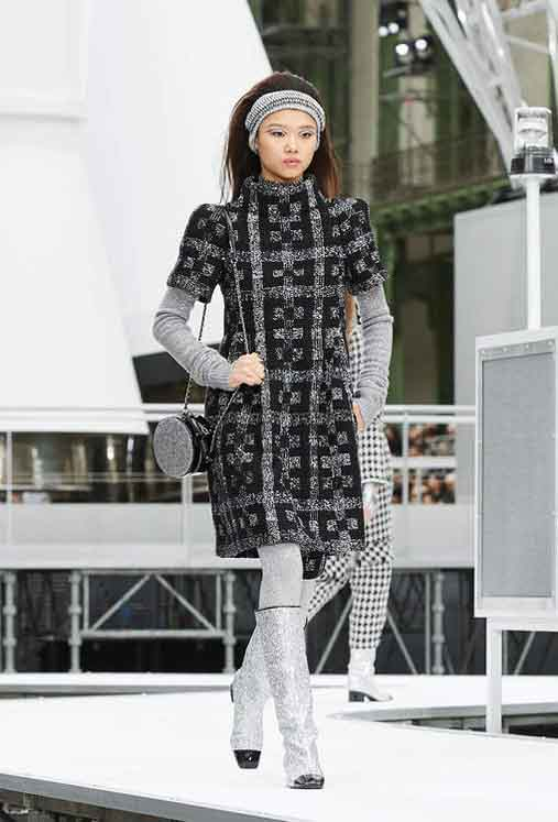 chanel-fw17-rtw-fall-winter-2017-18-collection (20)-sweater-dress