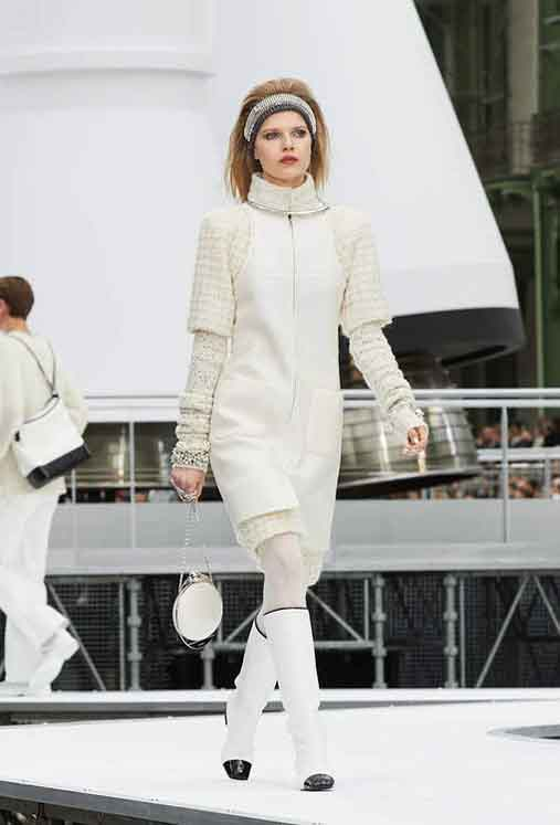 chanel-fw17-rtw-fall-winter-2017-18-collection (35)-all-white-outfit