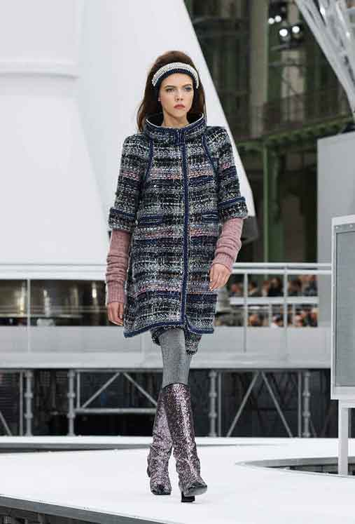 chanel-fw17-rtw-fall-winter-2017-18-collection (50)-metallic-boots