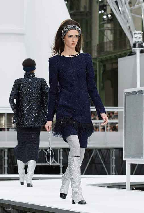 chanel-fw17-rtw-fall-winter-2017-18-collection (69)-blue-shimmer-dress