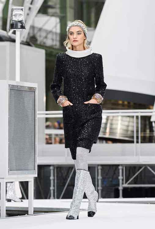 chanel-fw17-rtw-fall-winter-2017-18-collection (76)-metallic-black-dress