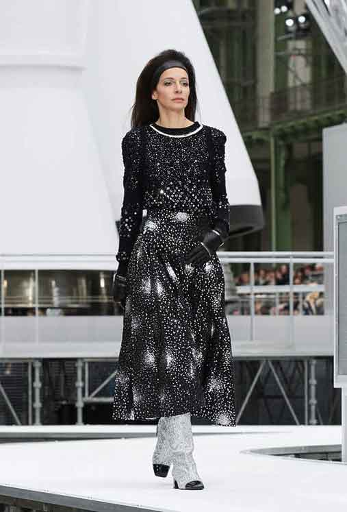 chanel-fw17-rtw-fall-winter-2017-18-collection (85)-galaxy-print-dress