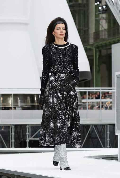 chanel-fw17-rtw-fall-winter-2017-18-collection (85)-galaxy-print-dress
