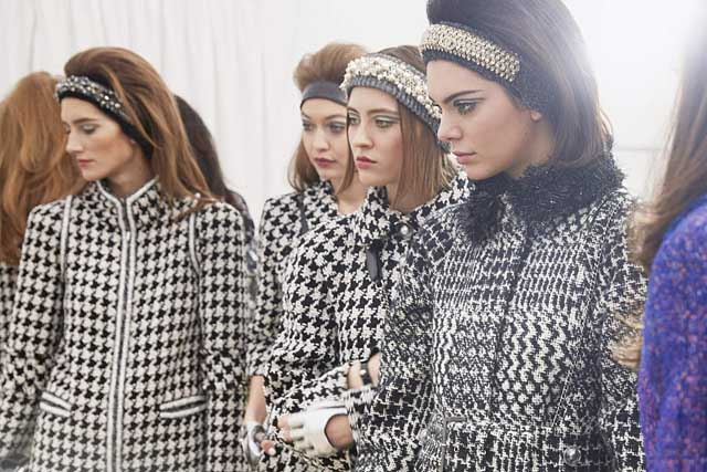 chanel-fw17-rtw-fall-winter-2017-18-collection-backstage-pics (5)-models-gigi-hadid