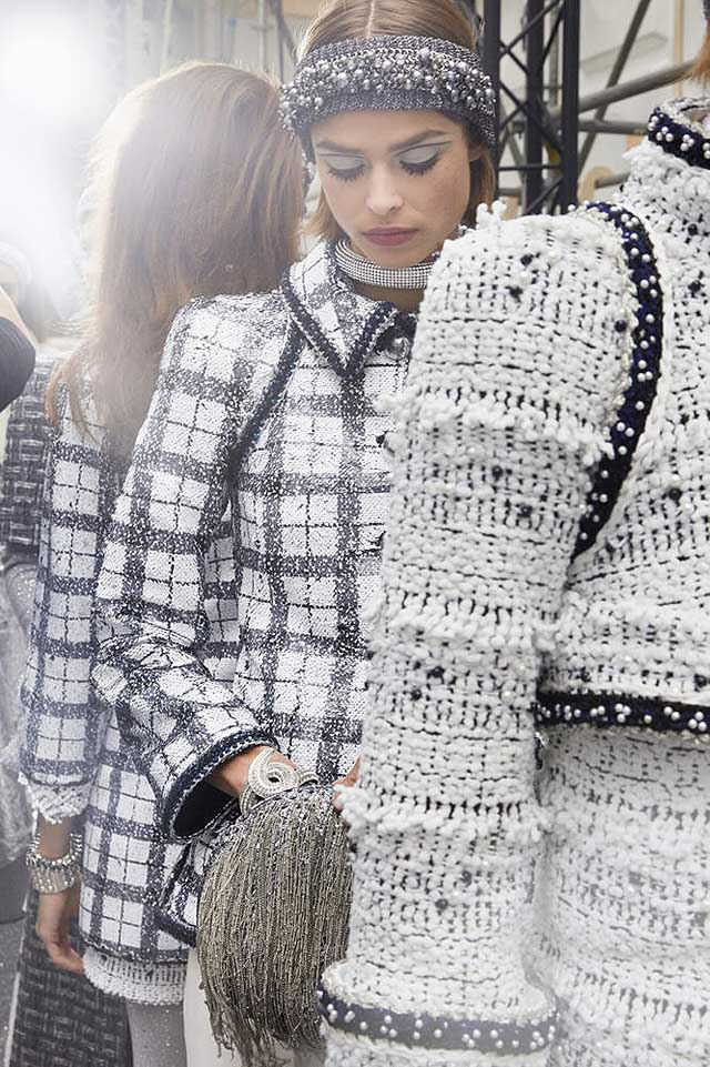 chanel-fw17-rtw-fall-winter-2017-18-collection-backstage-pics (8)-checks
