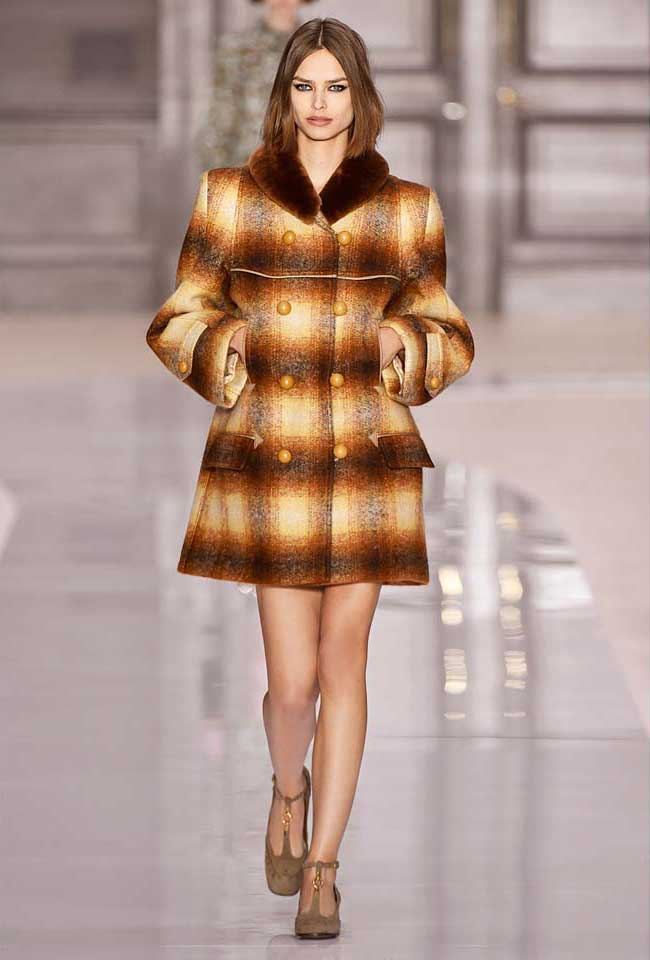 chloe-fw17-rtw-fall-winter-2017-18-collection (1)-checks-coat-haircolor