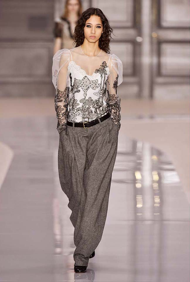 chloe-fw17-rtw-fall-winter-2017-18-collection (14)-grey-trousers-white-sheer-top