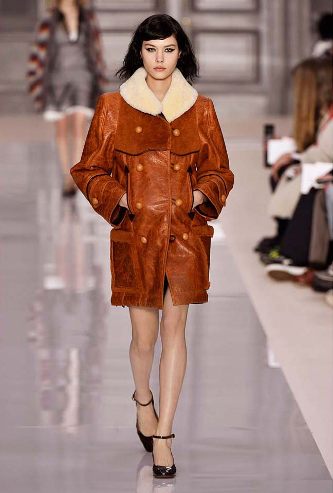 chloe-fw17-rtw-fall-winter-2017-18-collection (17)-brown-jacket-fur-collar