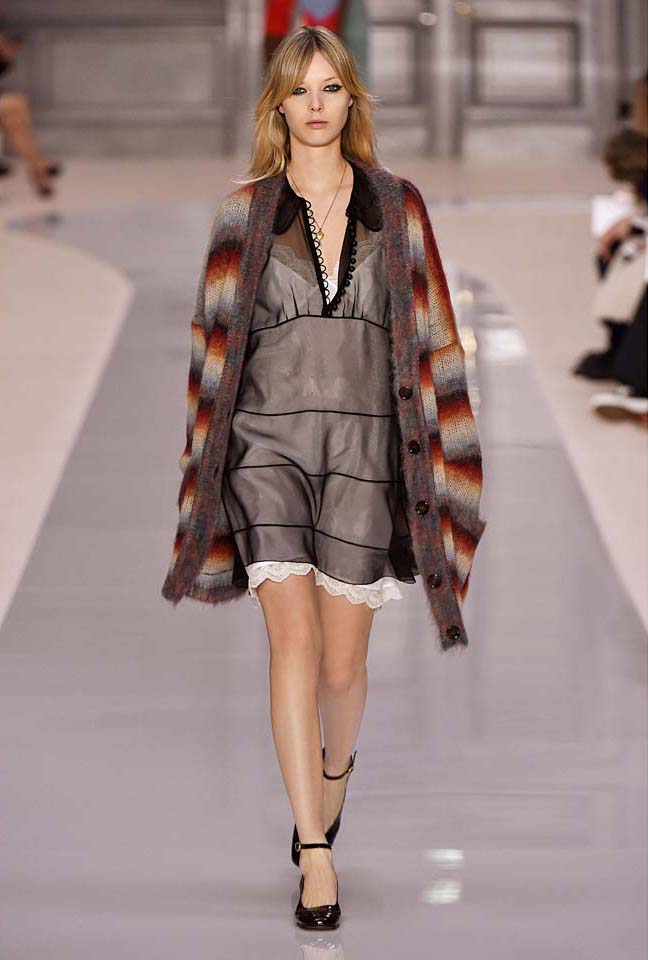 chloe-fw17-rtw-fall-winter-2017-18-collection (18)-black-sheer-dress