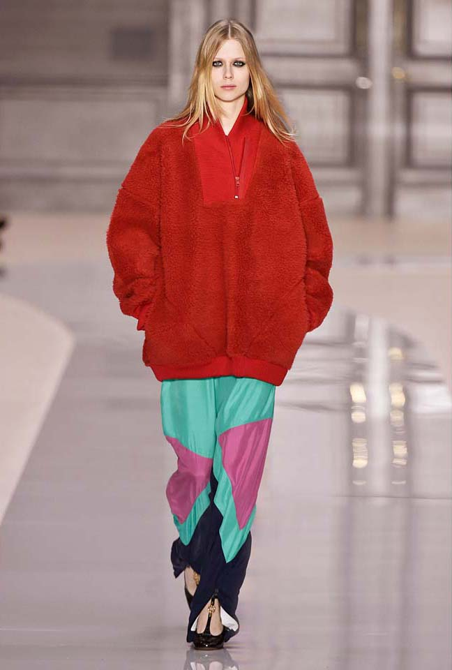 chloe-fw17-rtw-fall-winter-2017-18-collection (32)-red-fur-coat
