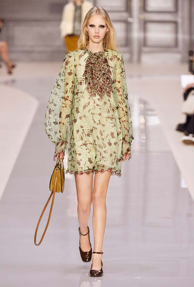 chloe-fw17-rtw-fall-winter-2017-18-collection (7)-sleeves-puffed-dress