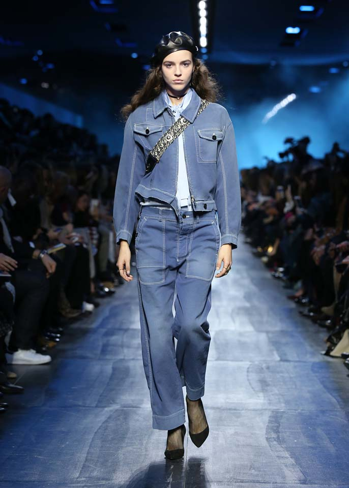 dior-fw17-rtw-fall-winter-2017-18-collection (26)-denim-jacket-white-top