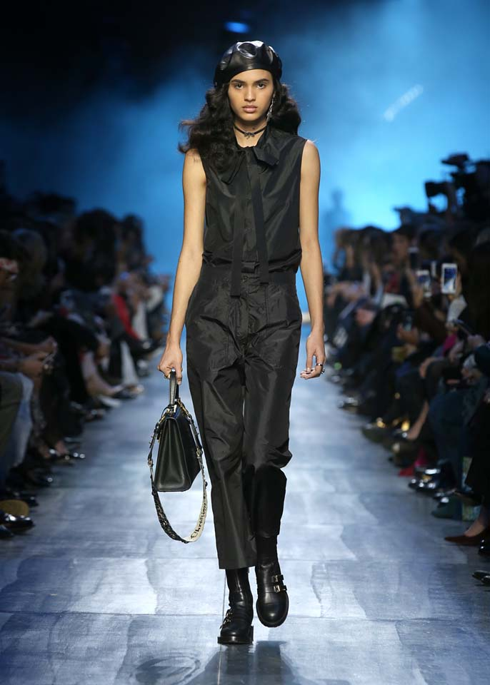 dior-fw17-rtw-fall-winter-2017-18-collection (3)-black-jumpsuit