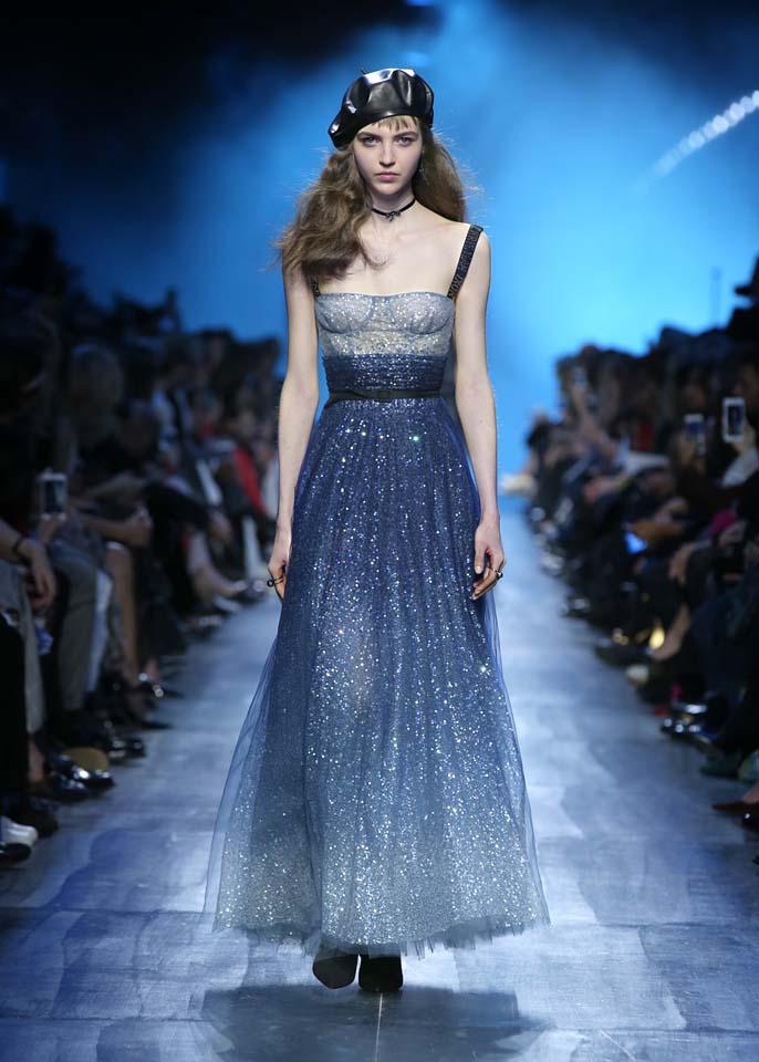 Watch Christian Diors show LIVE from Paris fashion week