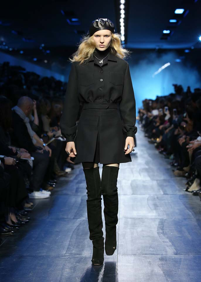 dior-fw17-rtw-fall-winter-2017-18-collection (44)-black-coat