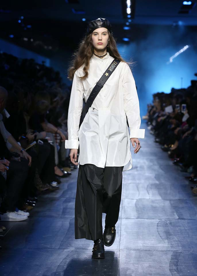 dior-fw17-rtw-fall-winter-2017-18-collection (49)-white-long-shirt