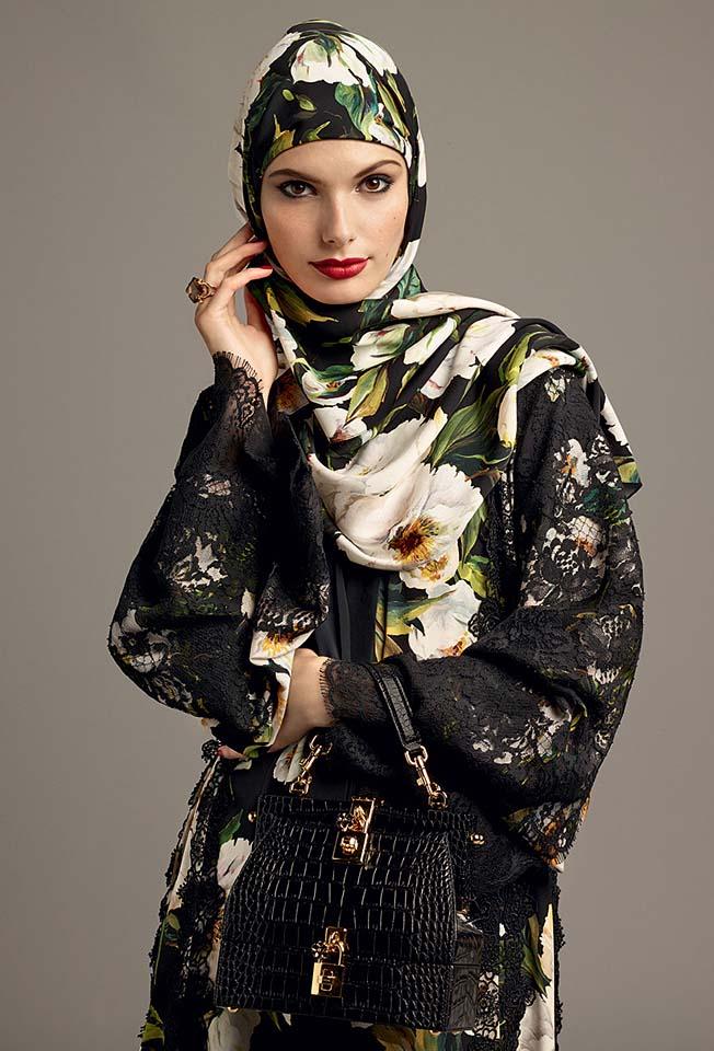 dolce-gabbana-abaya-fashion-hijab-muslim-women-style (1)-floral-prints-black-lace