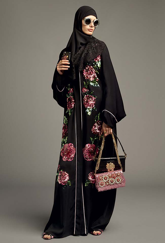 dolce-gabbana-abaya-fashion-hijab-muslim-women-style (9)-black-floral-printed-bag