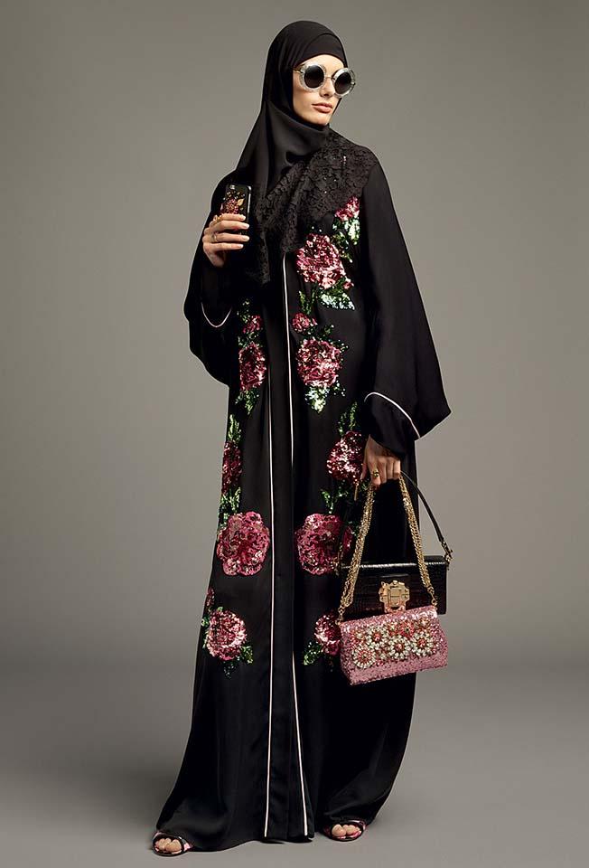 dolce-gabbana-abaya-fashion-hijab-muslim-women-style (9)-black-floral-printed-bag