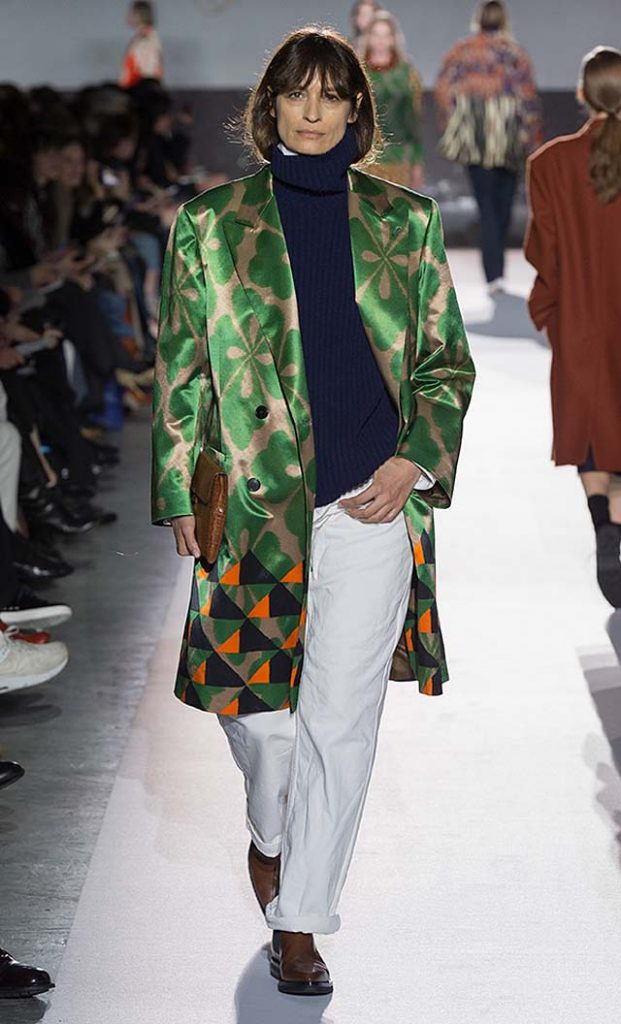 dries-van-noten-fw17-fall-winter-2017-collection-01 (12)-green-floral-print-coat-white-pants