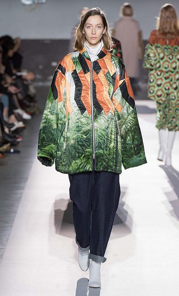 dries-van-noten-fw17-fall-winter-2017-collection-01 (17)-green-leaves-printed-jacket