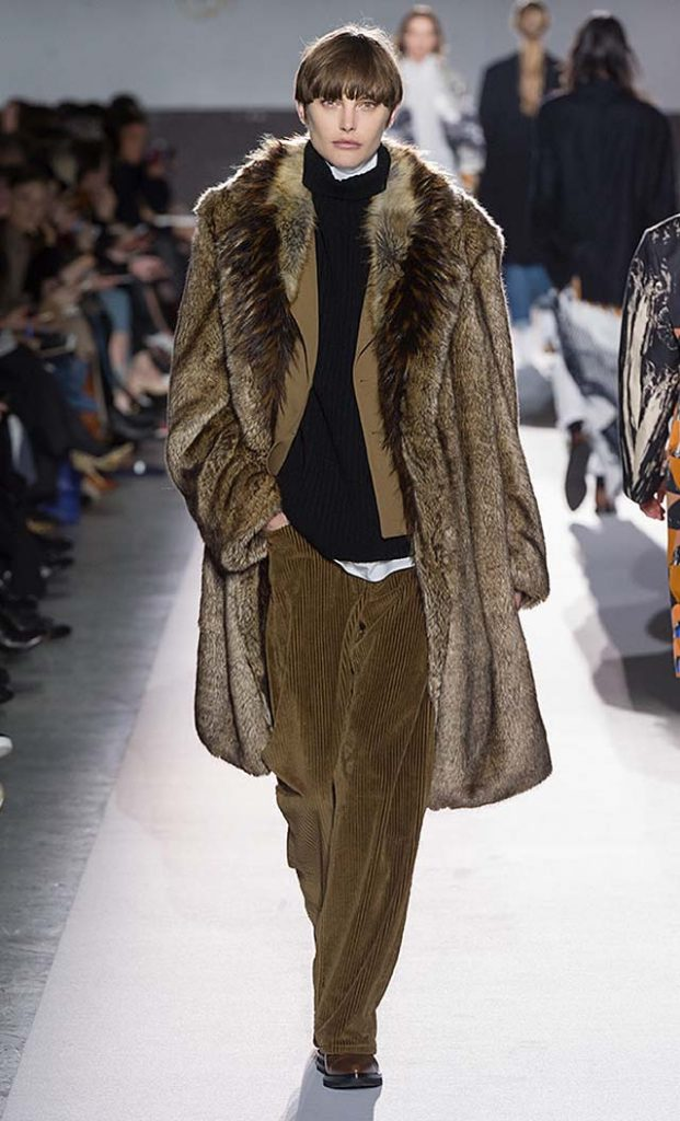 dries-van-noten-fw17-fall-winter-2017-collection-01 (23)-fur-coat