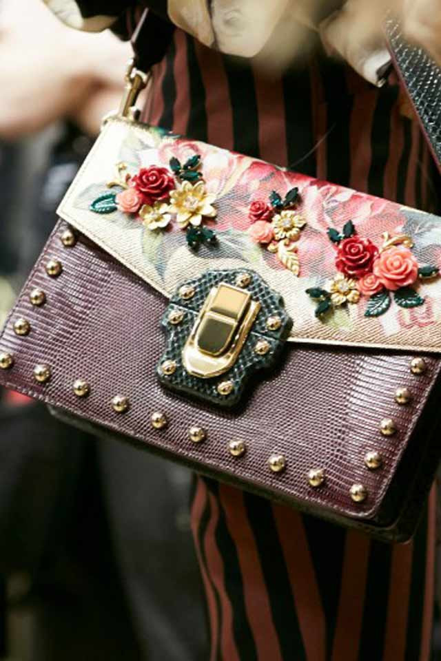 embellished-Dolce-gabbana-fall-winter-2017-flap-bags-rtw-latest-trends-in-handbgas-6