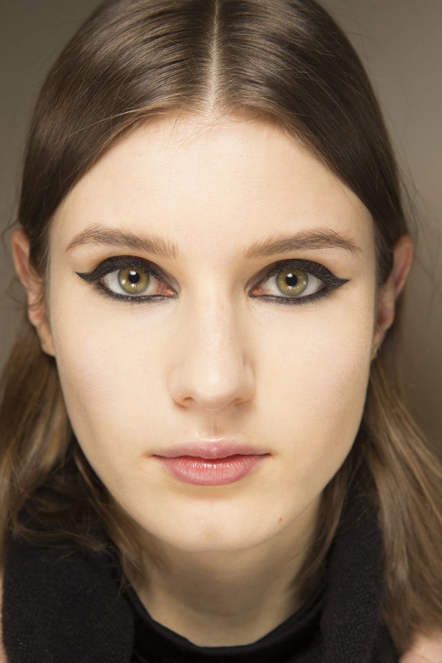 fall-2017-makeup-trends-designer-chloe-eye-makeup