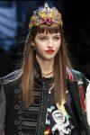 fashion-week-designer-dolce-&-Gabbana-embellished-head-band-fall-2017