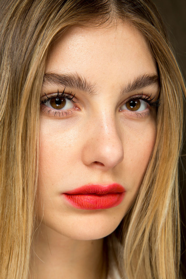 fashion-week-ready-to-wear-fall-winter-2017-designer-top-shop-unique-red-lips