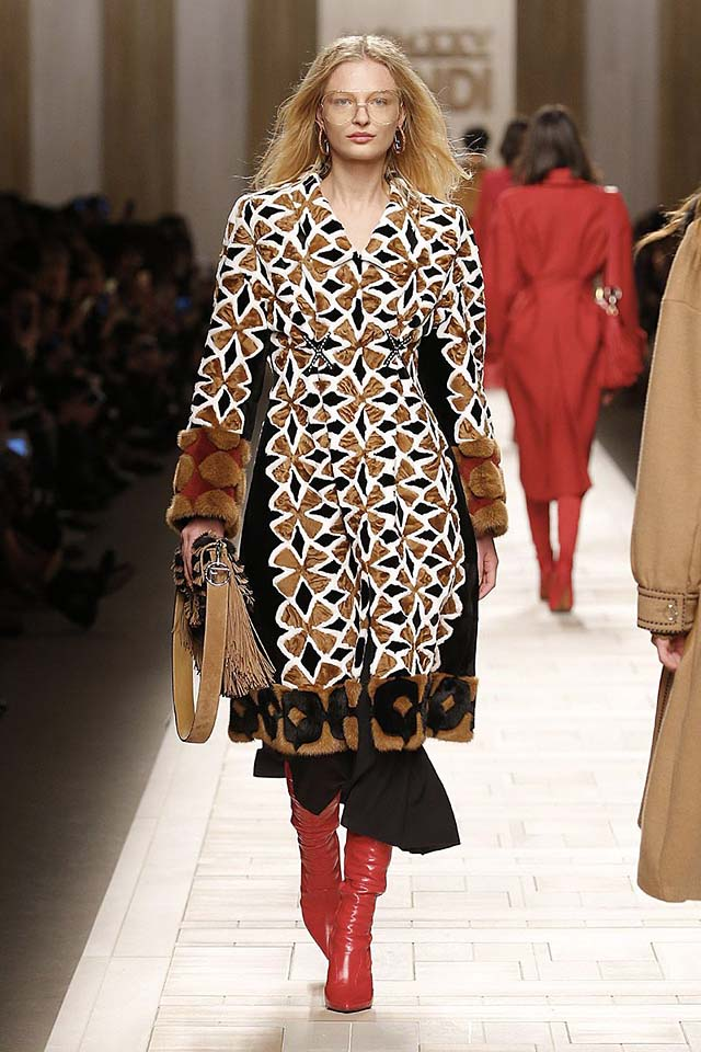 fendi-fw17-rtw-fall-winter-2017-18-collection (18)-dress-boots-red
