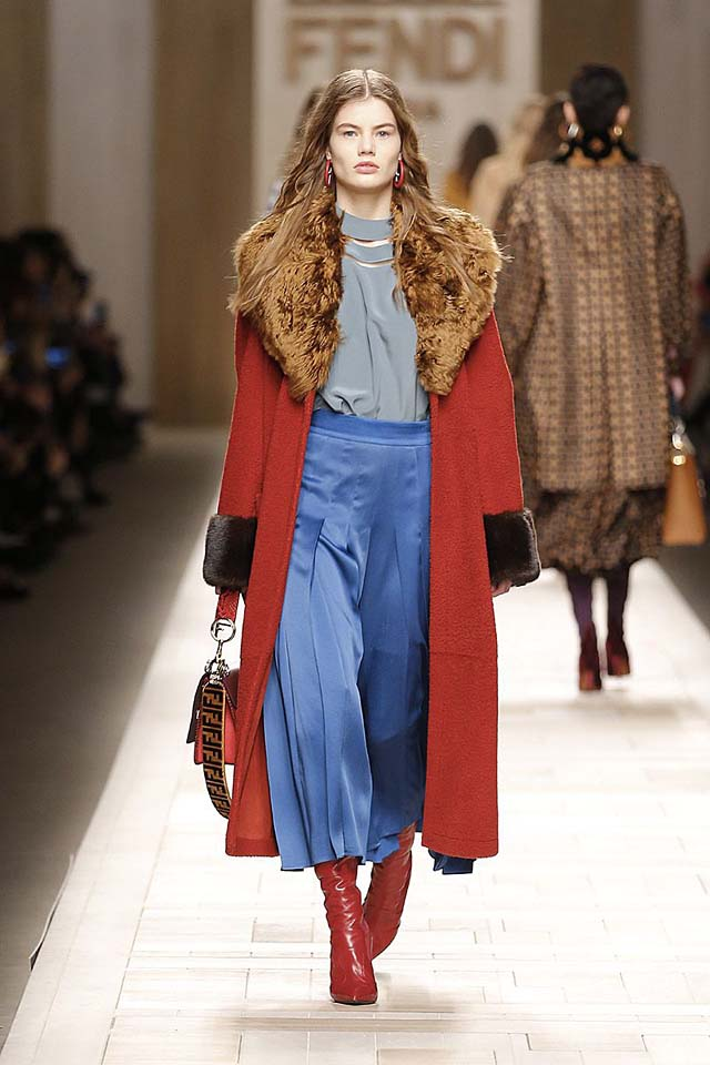 fendi-fw17-rtw-fall-winter-2017-18-collection (24)-blue-skirt-red-coat