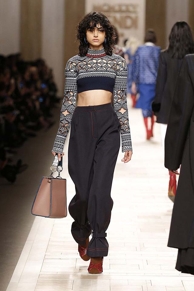 fendi-fw17-rtw-fall-winter-2017-18-collection (32)-cropped-sweater-prints