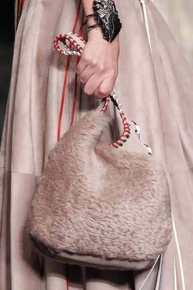 fur-bags-latest-fashion-in-handbags-2017-alexander-mcqueen