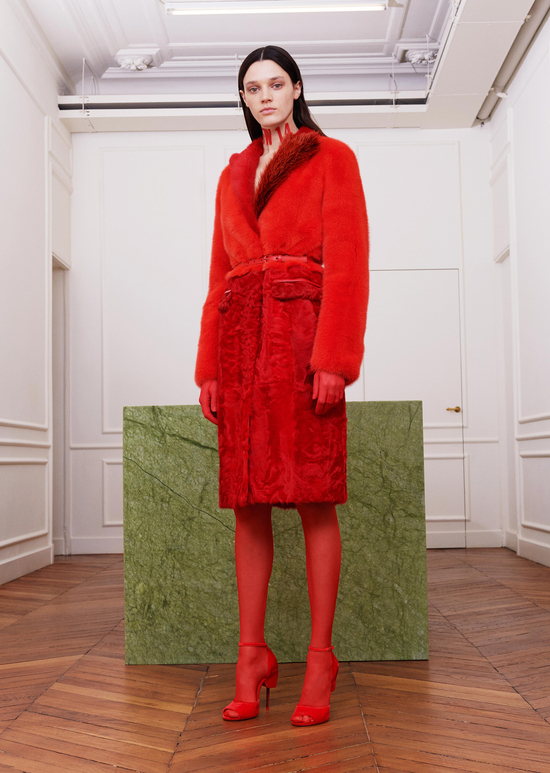 givenchy-fw17-rtw-fall-winter-2017-18-collection-all-red-outfit (17)-fur-coat
