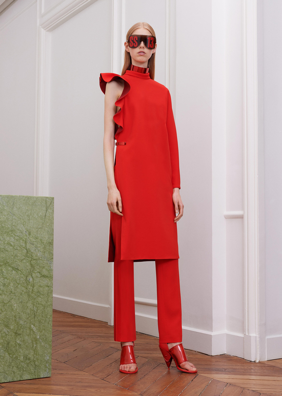 givenchy-fw17-rtw-fall-winter-2017-18-collection-all-red-outfit (23)-sunglasses