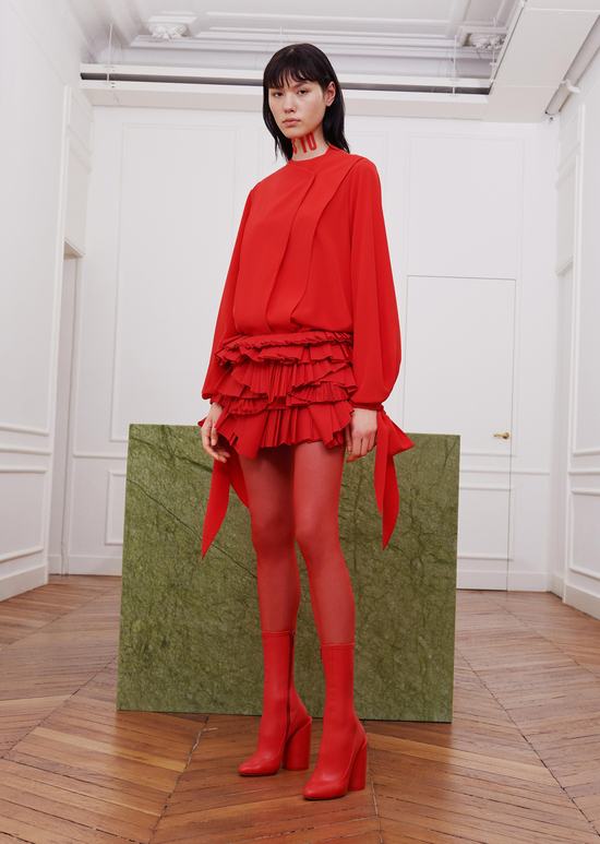 givenchy-fw17-rtw-fall-winter-2017-18-collection-all-red-outfit (8)-dress